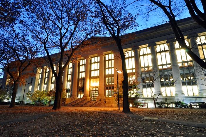 5 livros que alunos da melhor faculdade de Direito do mundo leem