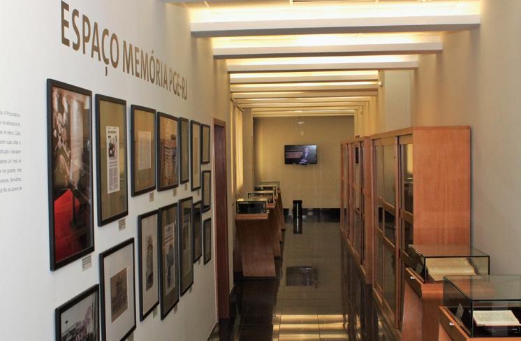 PGE-RJ inaugura espaço dedicado à memória e exibe documentário com antigos Procuradores