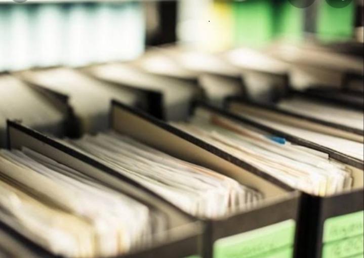 """Ciclo de palestras """"Informação jurídica: olhares da Arquivologia e da Biblioteconomia"""""""